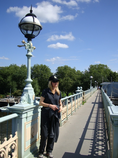 Twickenham footbridge provides beautiful vistas down the river and a panoramic view onto Richmond.