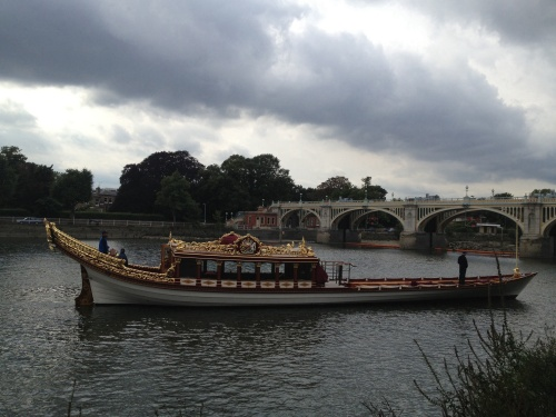 The Gloriana used at the Queen's Diamond Jubilee, passing under Twickenham Bridge.