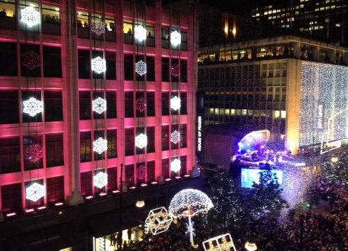 Robbie Williams hosted the 2012  Christmas lights switch on. (photo worklondonstyle)