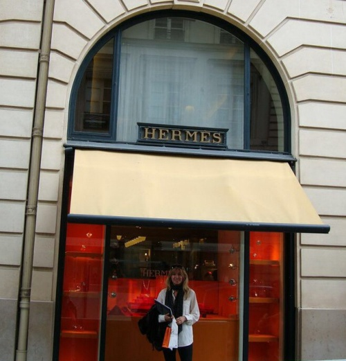 Hermes Faubourg Saint-Honore in Paris. (photo - worklondonstyle)