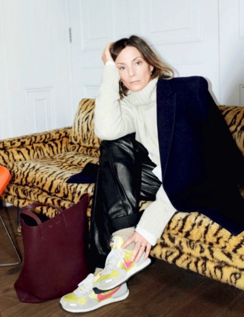 Dressed for speed in Nike Air Max for and interview with Vogue. ( photo - David Sims