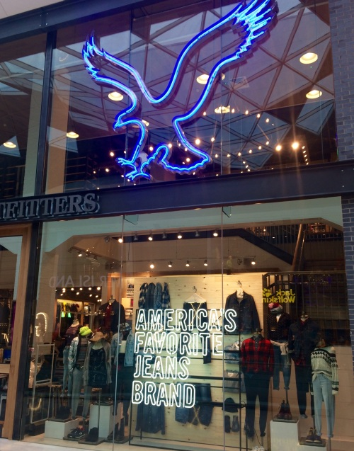 American Eagle Westfield London (photo - worklondonstyle)